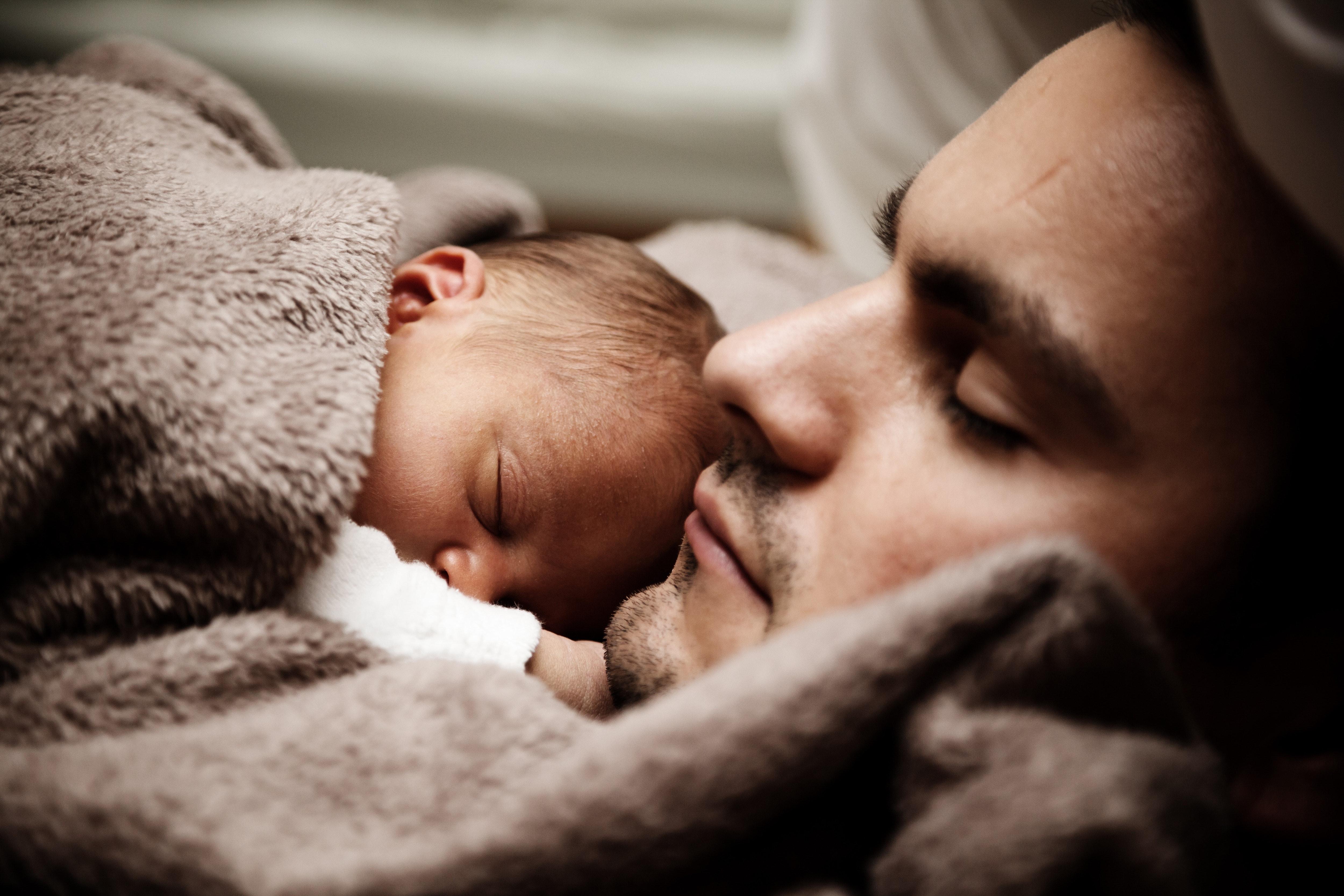 Maternité de substitution dans le monde