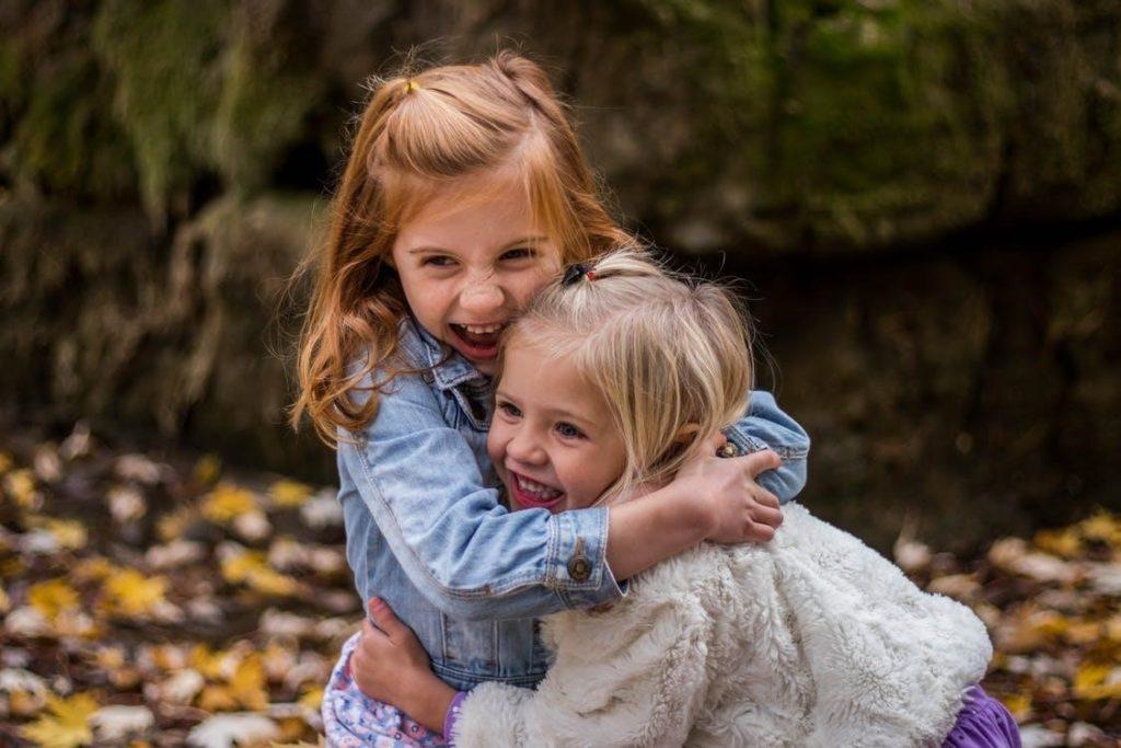 la mère porteuse et les futurs parents